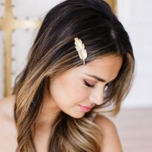 Accessories - Gold Metal Natural Feather Barrette